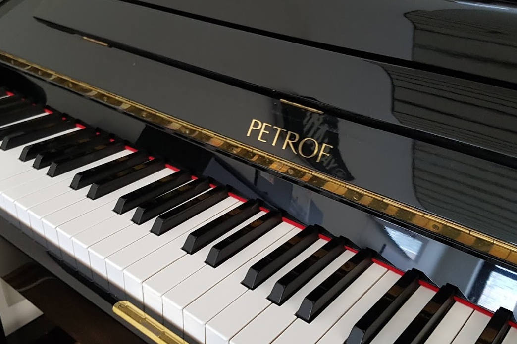 Petrof Klavier Modell 125 - Piano Fies München